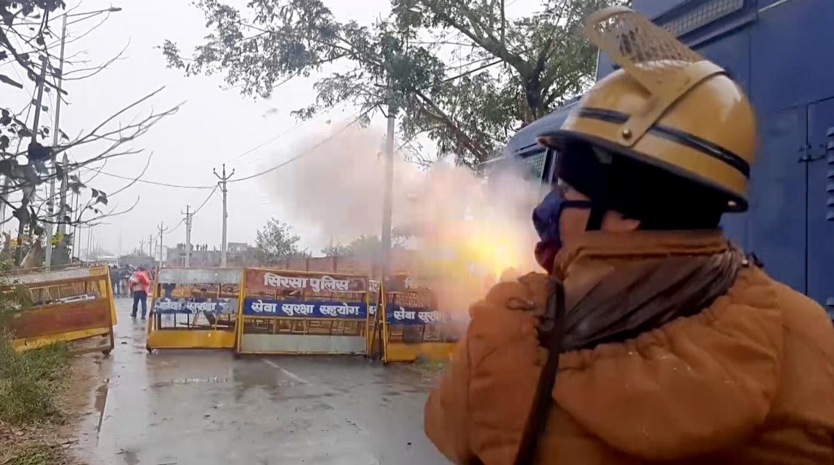 Haryana CM Manohar Lal Khattar cancels 'kisan mahapanchayat' after farmers ransack venue in Karnal