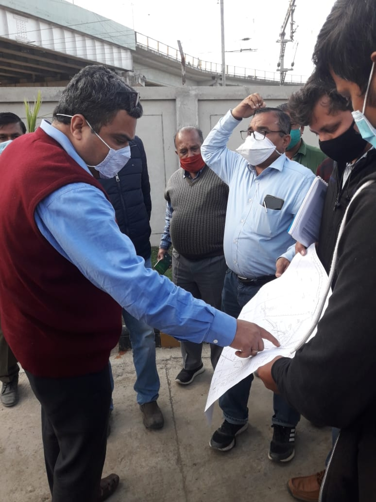 ​Indore: Divisional commissioner inspects STPs, nullah tapping work​