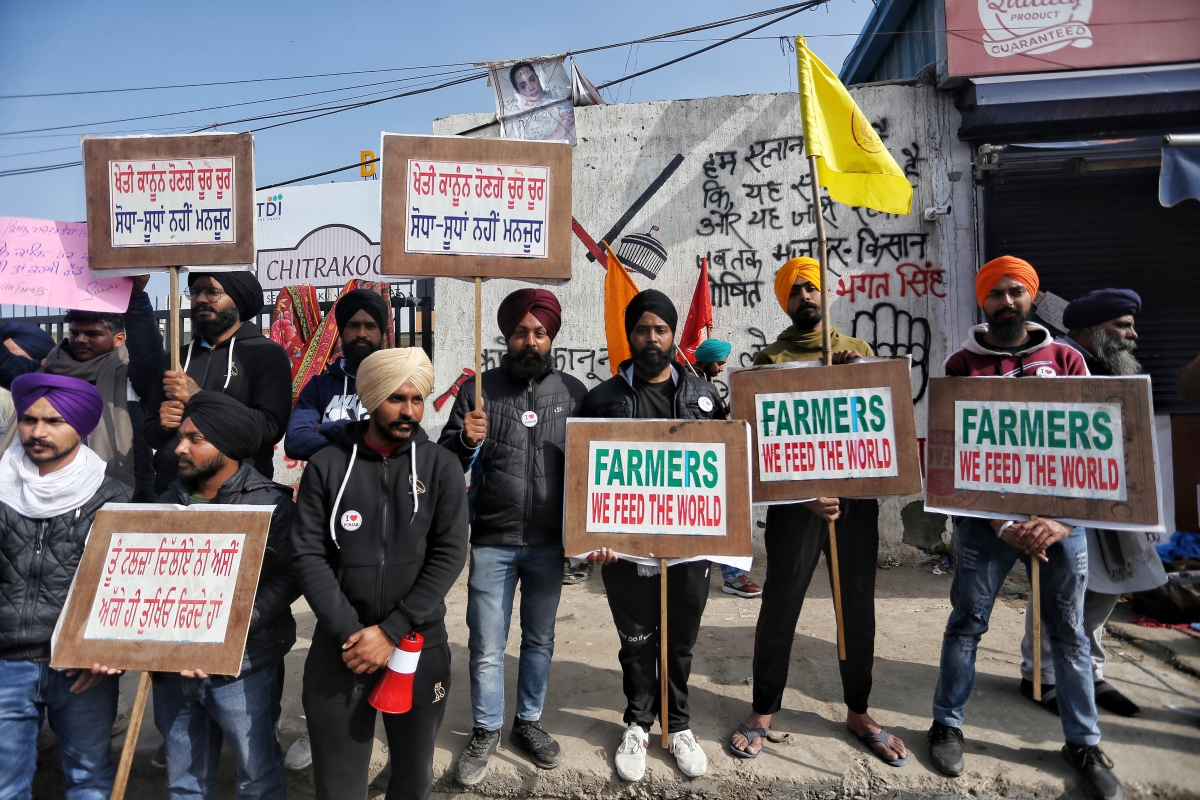 'If Centre doesn't put stay on farm laws, we will do it': SC slams Modi govt amid ongoing farmers' protest