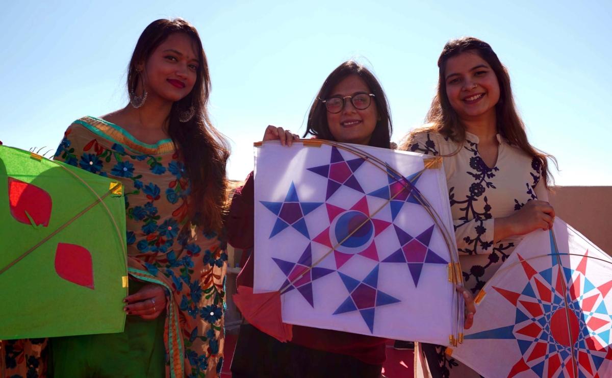 Participants at kite festival at Shalimar Fortleza Campus, Hoshangabad Road on Thursday.