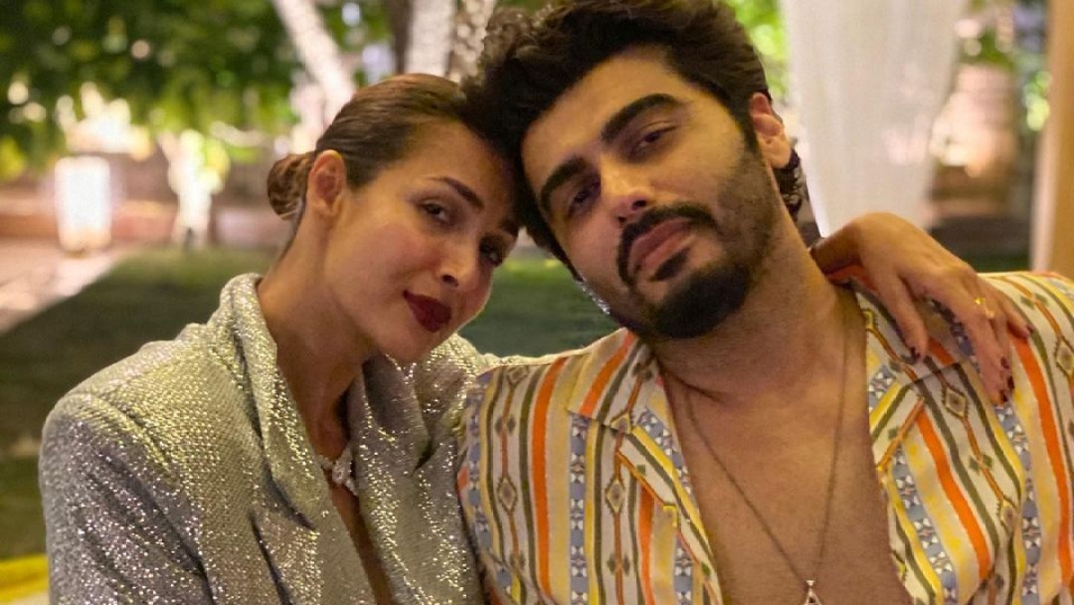 Lovebirds Malaika Arora, Arjun Kapoor share a glamorous New Year's Eve frame