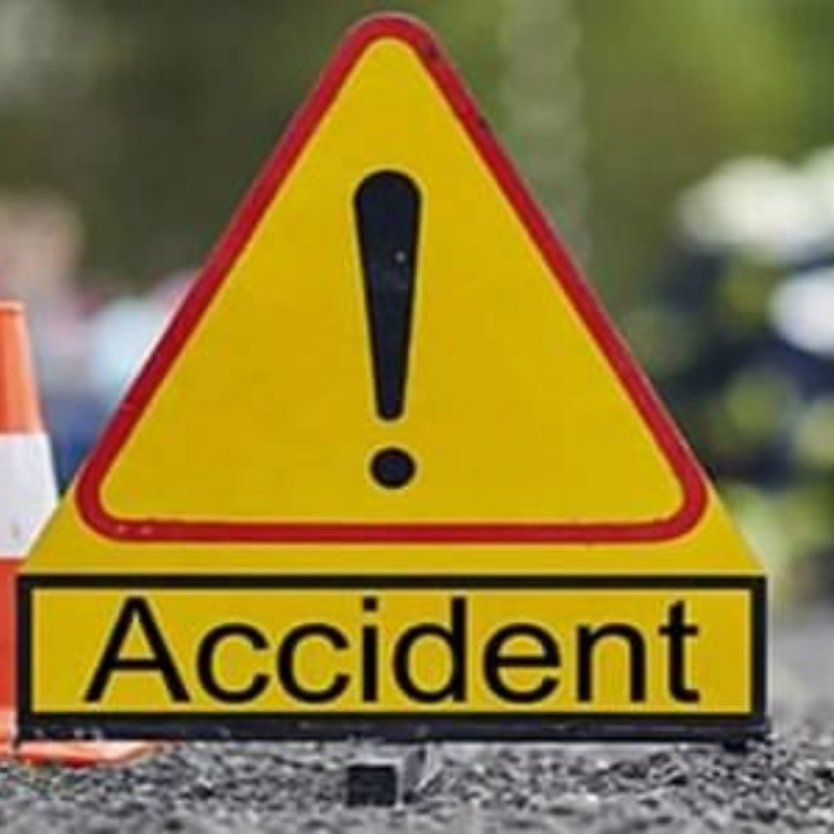 Six killed, 15 injured after truck overturns in UP's Etawah