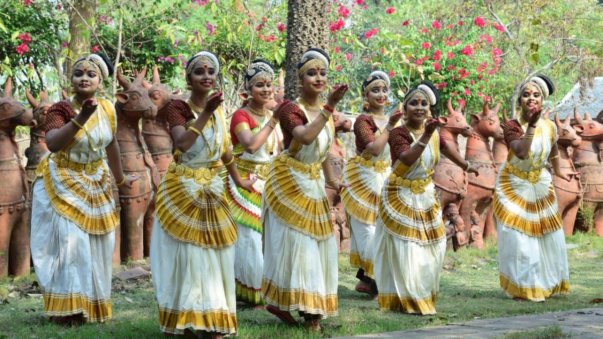 Bhopal: Three-day 'Atulya Bharat Madhya Pradesh' event ends with classical dance, folk performance at IGRMS