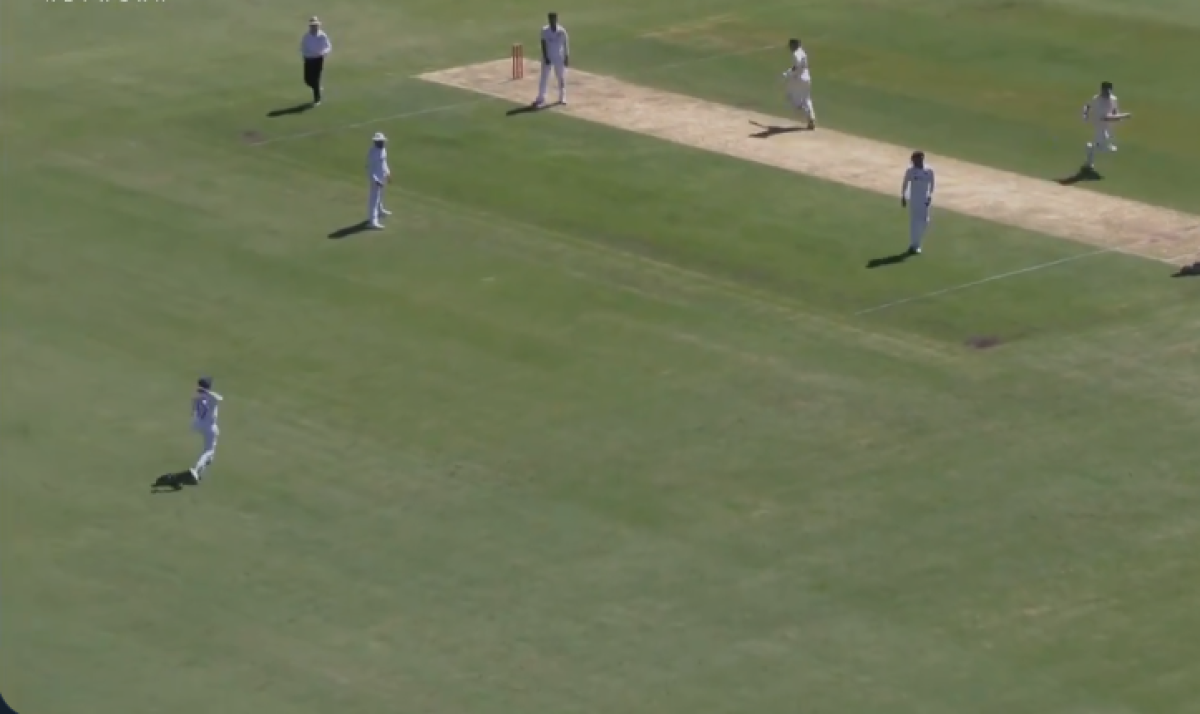 Friendly fire? Netizens react to Prithvi Shaw's failed throw which hits Rohit Sharma