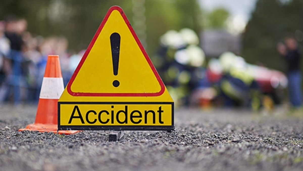 Maharashtra: 1 dead, 13 injured in two road accidents in Pune