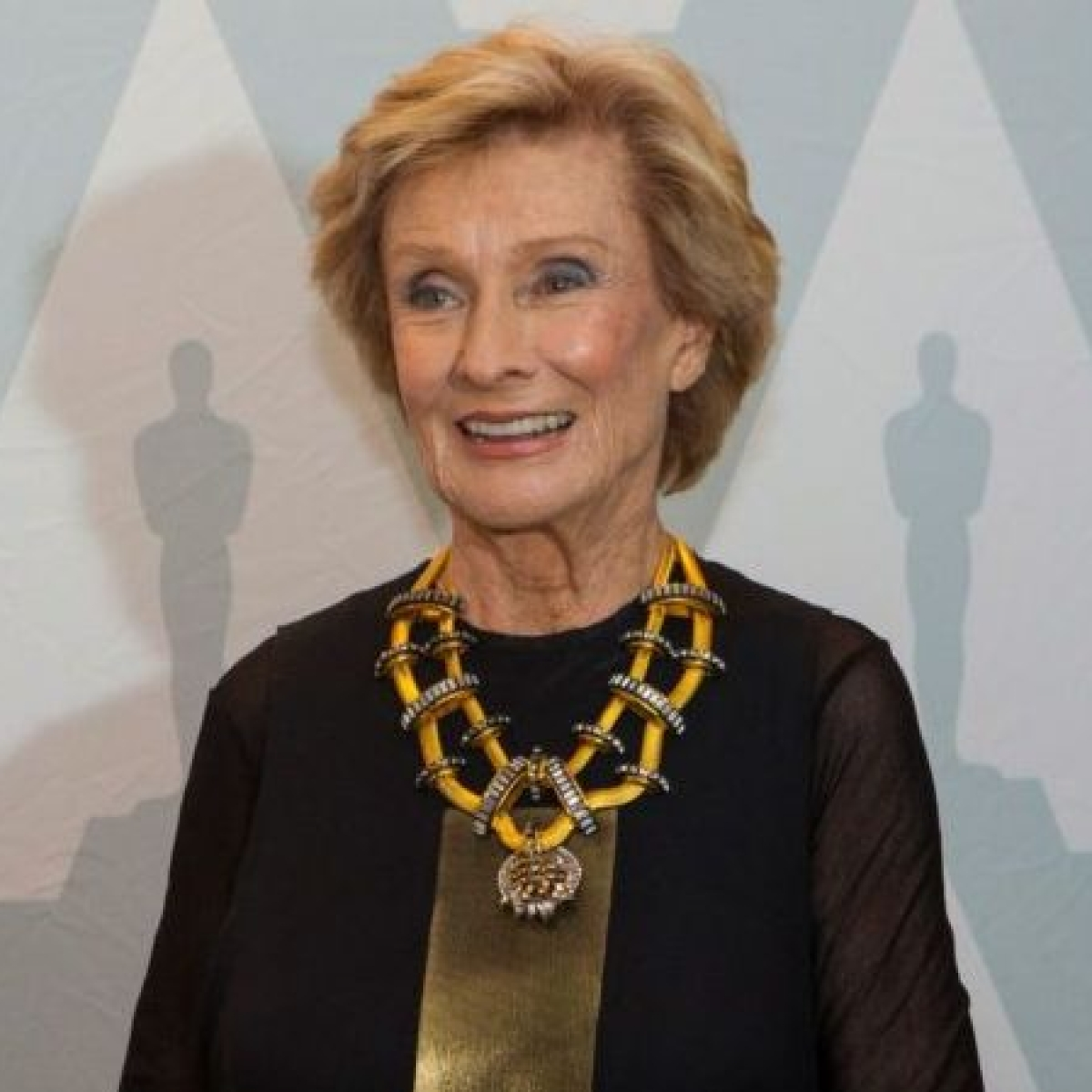 Oscar and Emmy-winning actor Cloris Leachman dies at 94