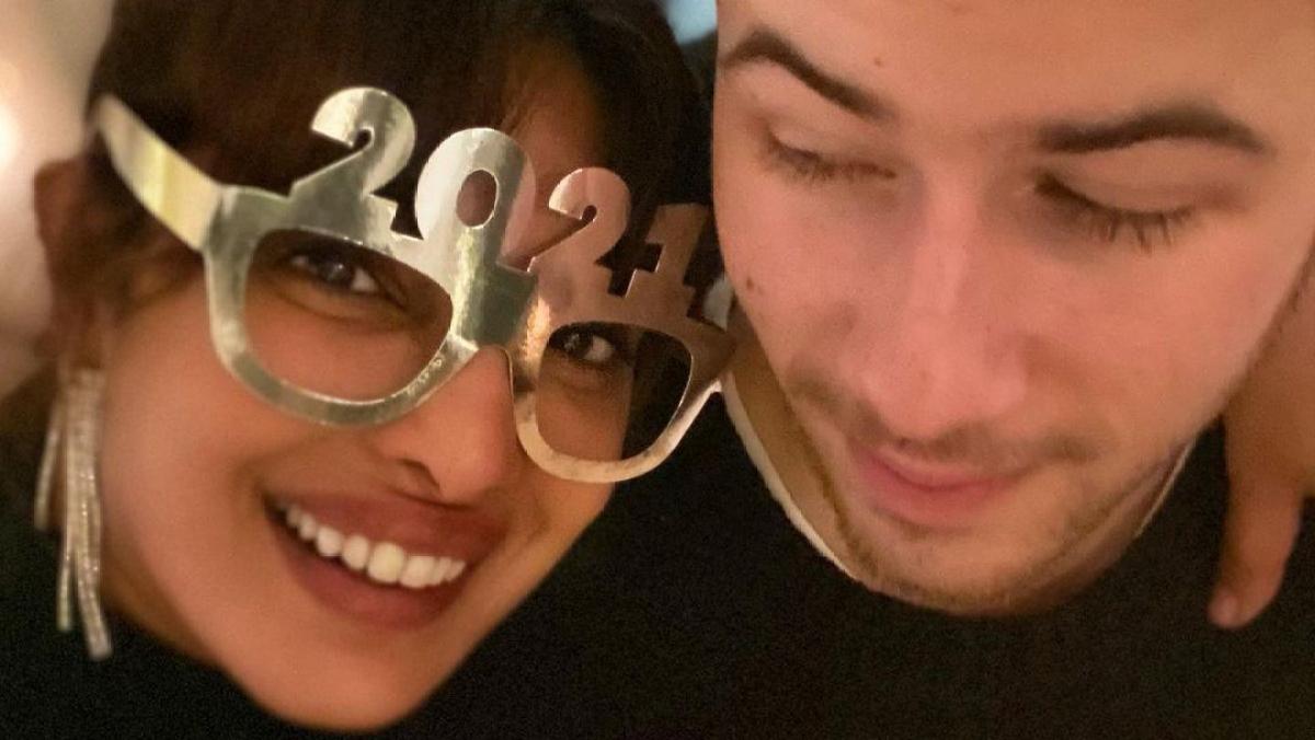 Priyanka Chopra welcomes 2021 with hubby Nick Jonas, hopes it will make everything better