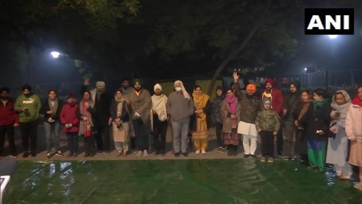Punjab Cong MPs continue protest against farm laws at Delhi's Jantar Mantar