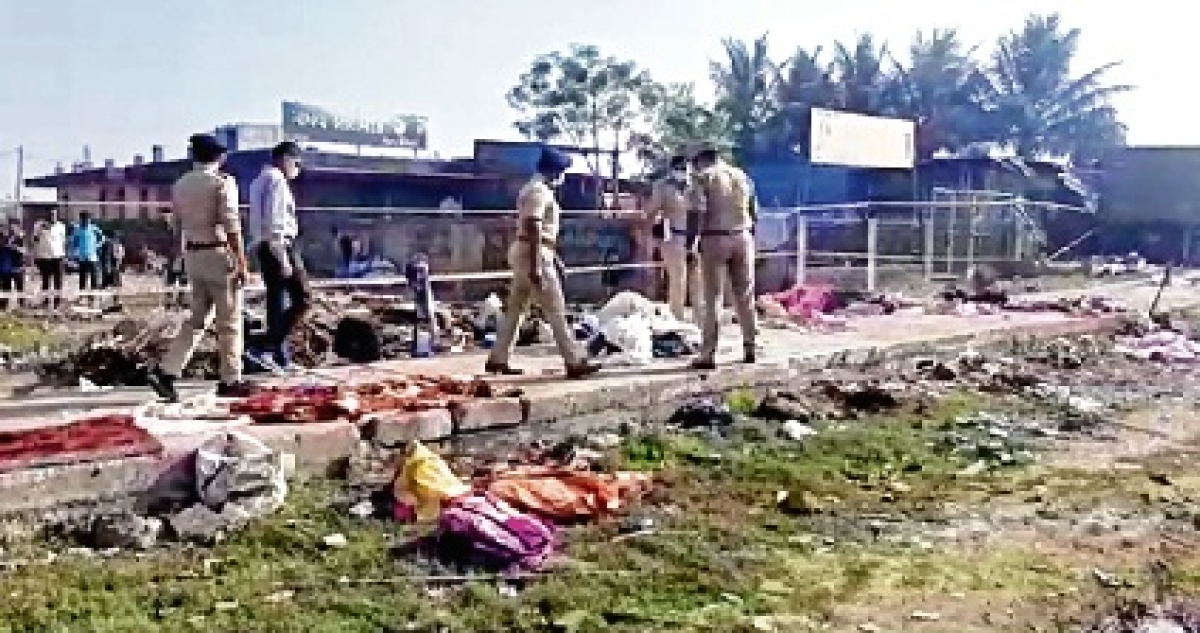14 migrant workers, baby girl run over by truck in Gujarat