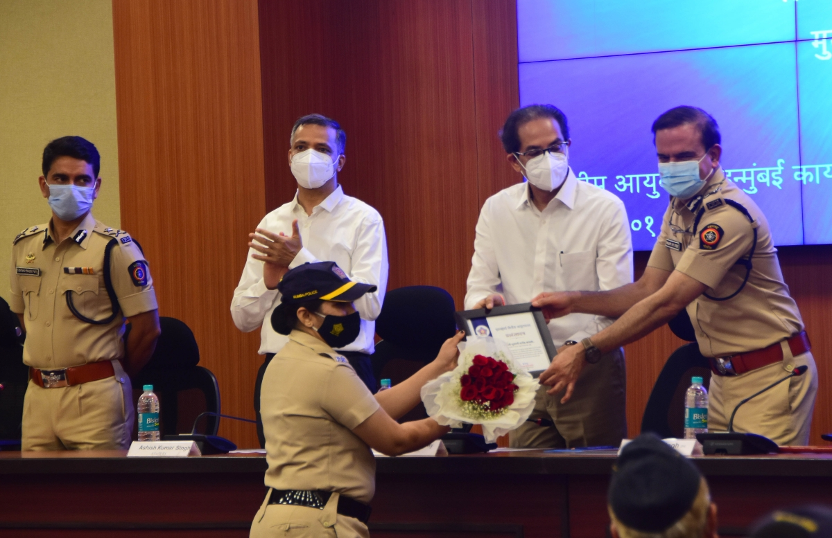 CM Uddhav Thackeray vows Rs 50L to kin of cops who died due to COVID-19