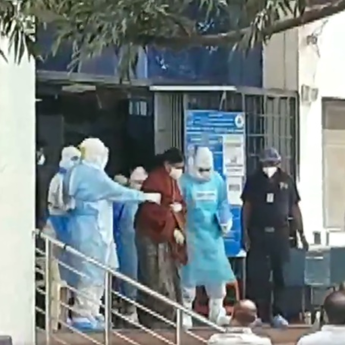 Expelled AIADMK leader Sasikala discharged from Bengaluru hospital
