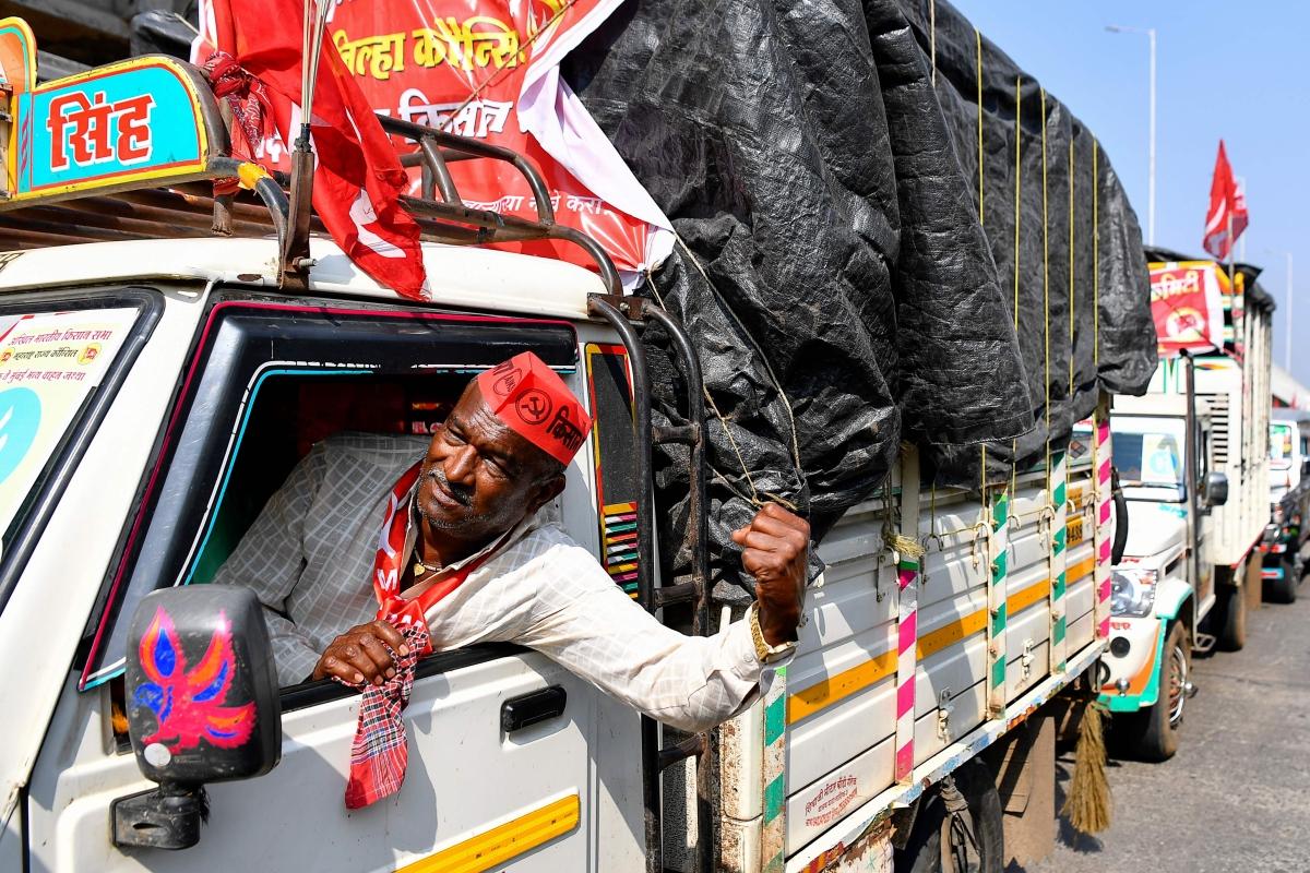 Mumbai farmers' protest: Cong leader attacks Centre