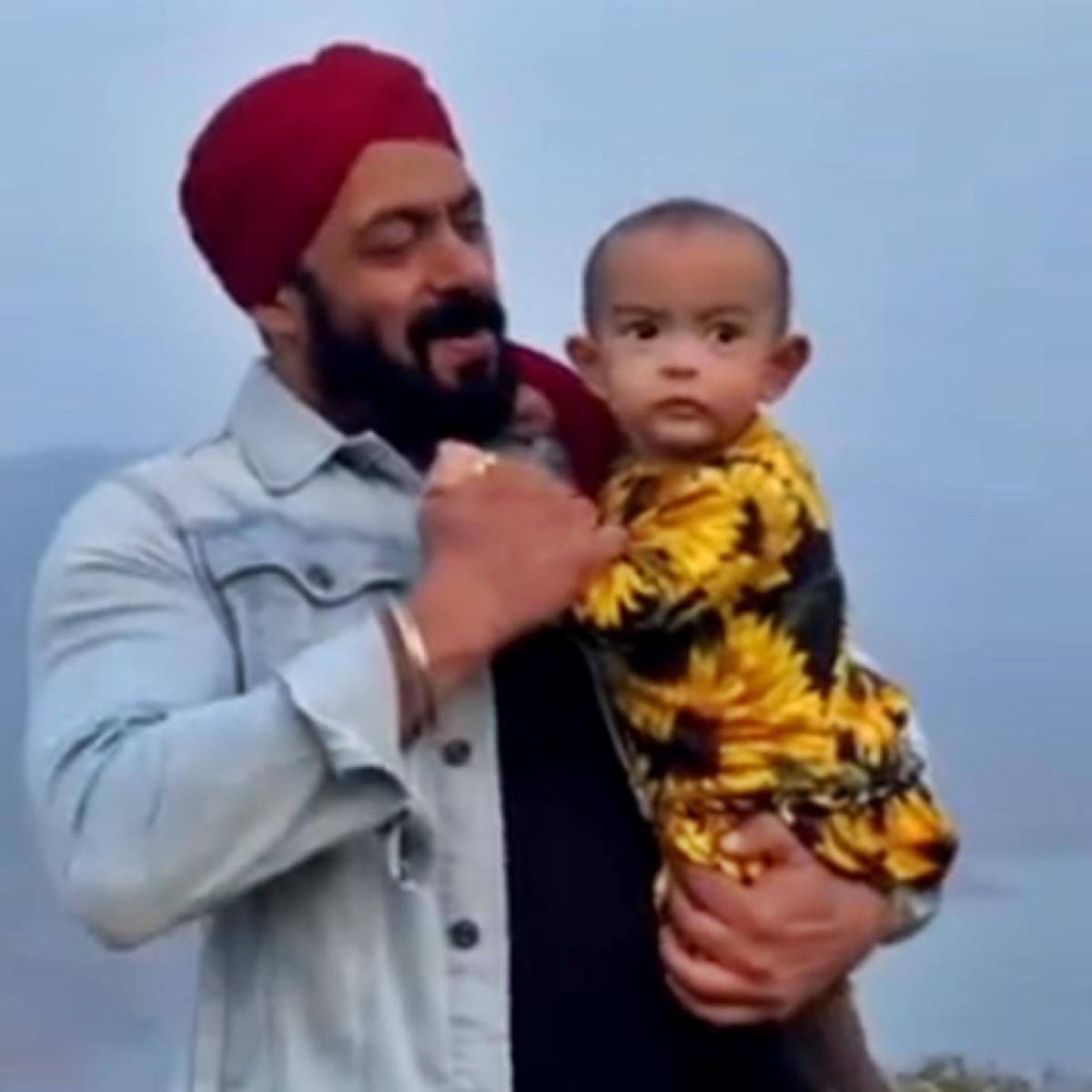 Watch video: Salman Khan dances with niece Ayat on the sets of 'Antim'