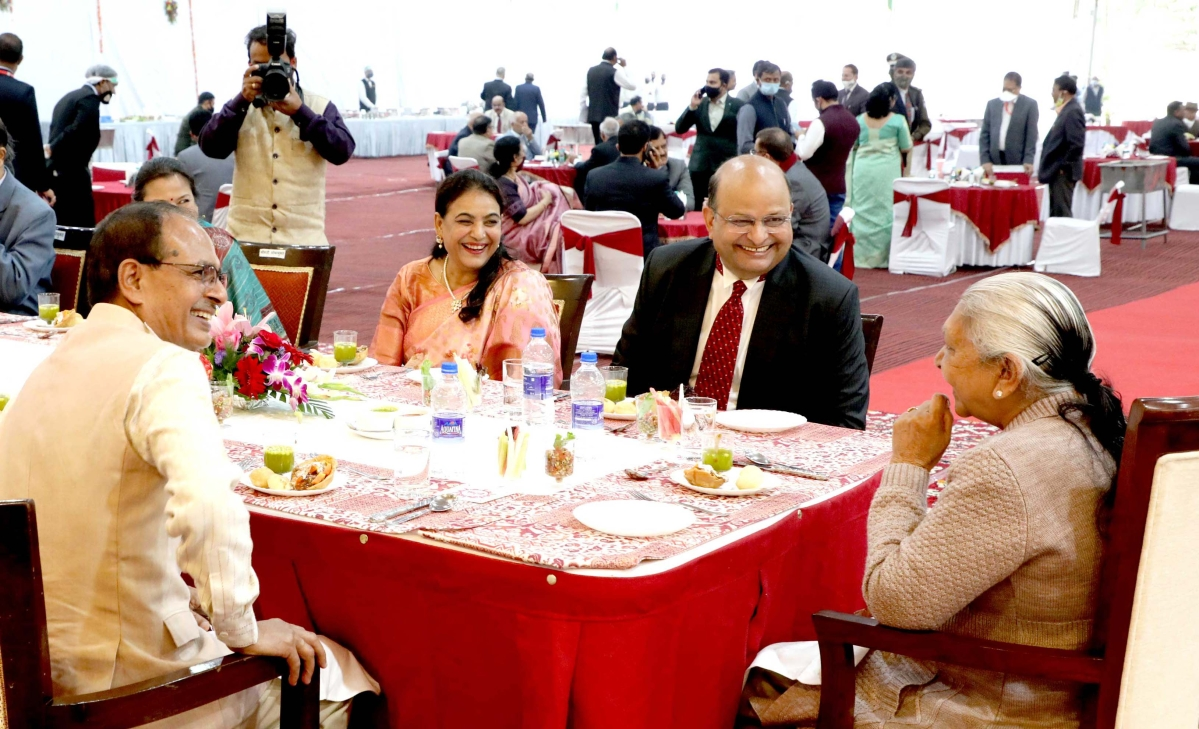 Governor Anandiben Patel and newly appointed Chief Justice of Madhya Pradesh High Court Mohammed Rafiq at the lunch hoisted by  Chief Minister Shivraj Singh Chauhan at CM House on Sunday.