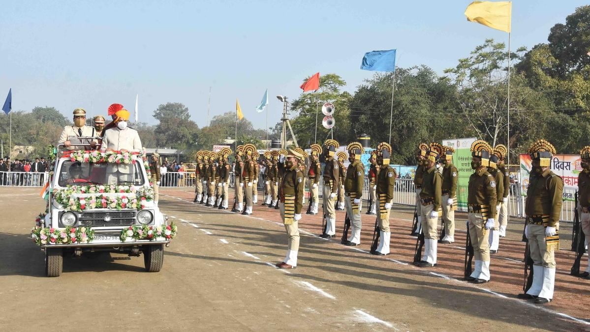 Dr Yadav inspects parade