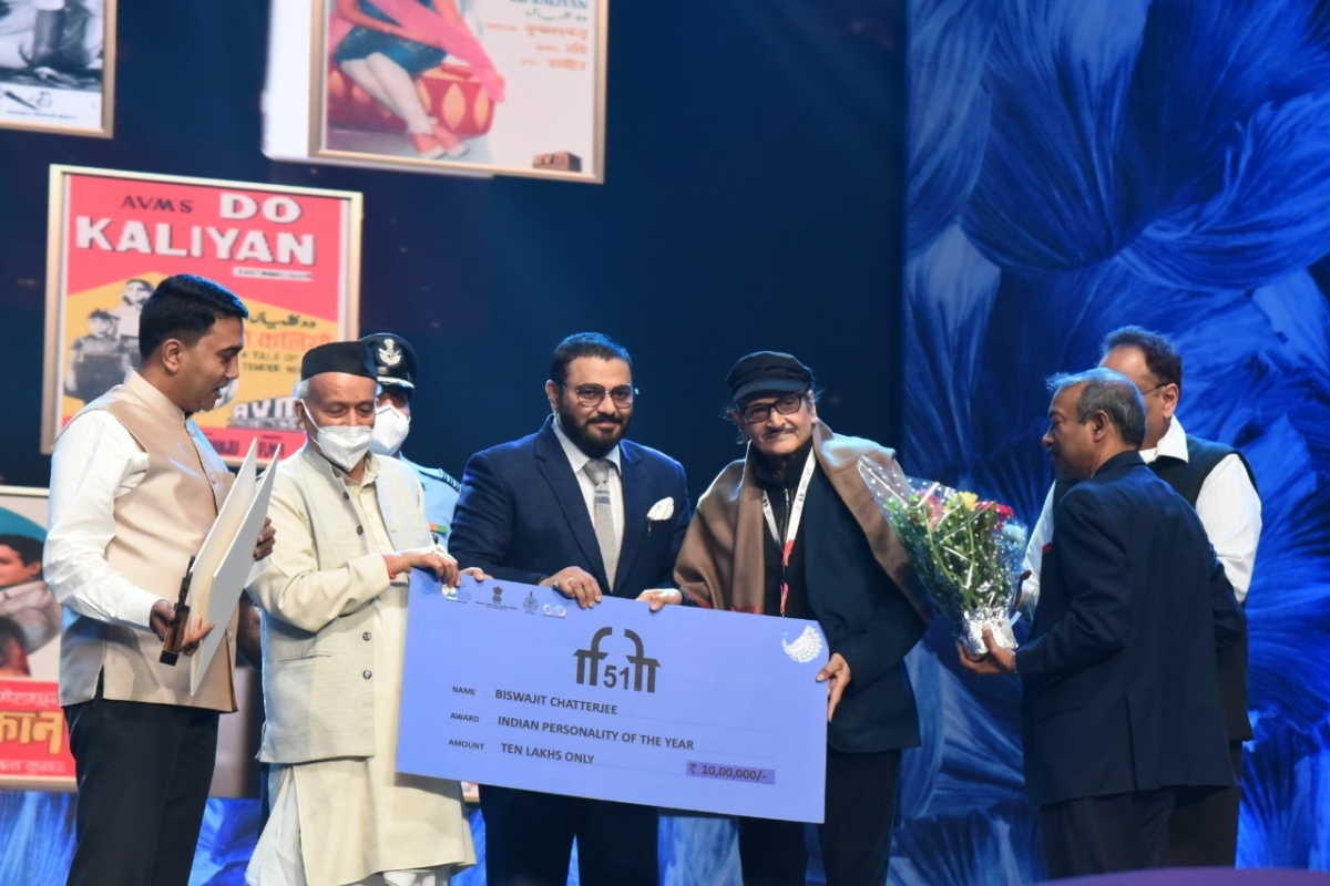 Veteran Actor, Director and Producer Biswajit Chatterjee receiving the Indian Personality of the Year Award