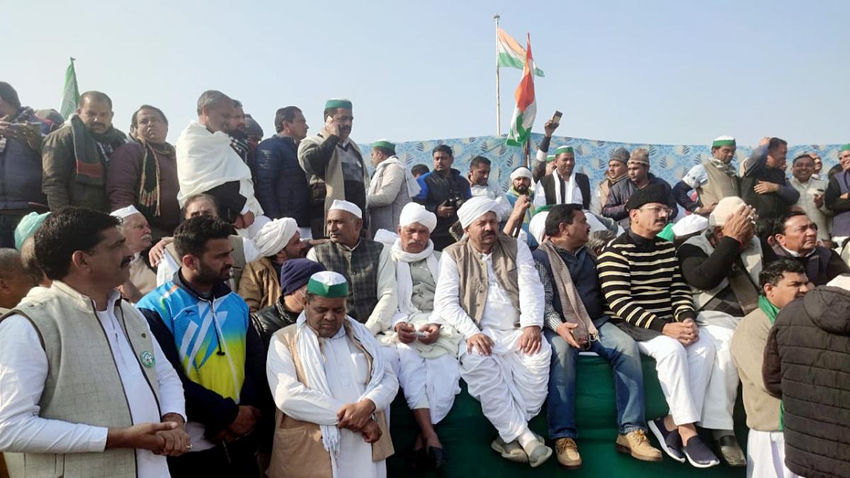 Bharatiya Kisan Union (BKU) President Naresh Tikait along with Farmers