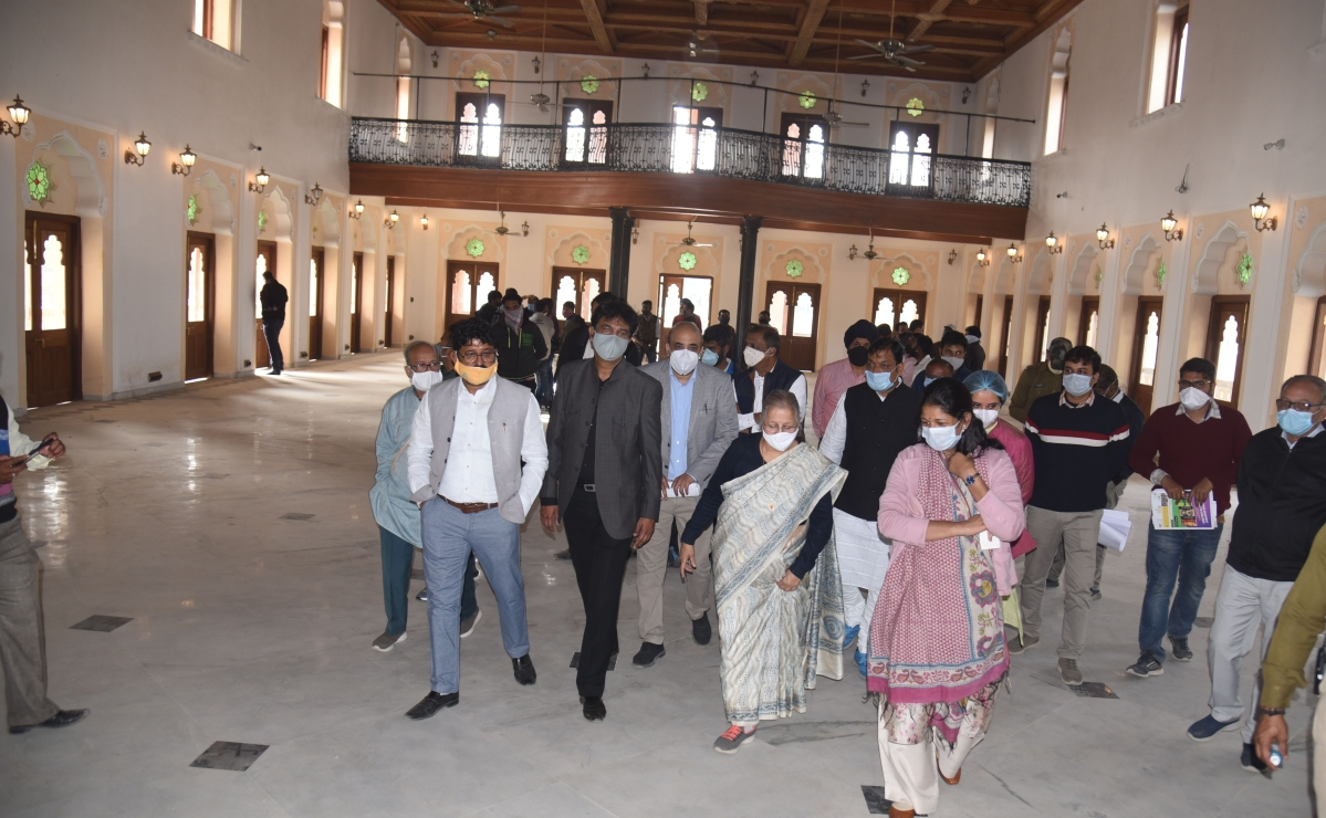 Former LS Speaker Sumitra Mahajan and IMC commissioner Pratibha Pal and other officials inspecting renovation work at Gandhi Hall