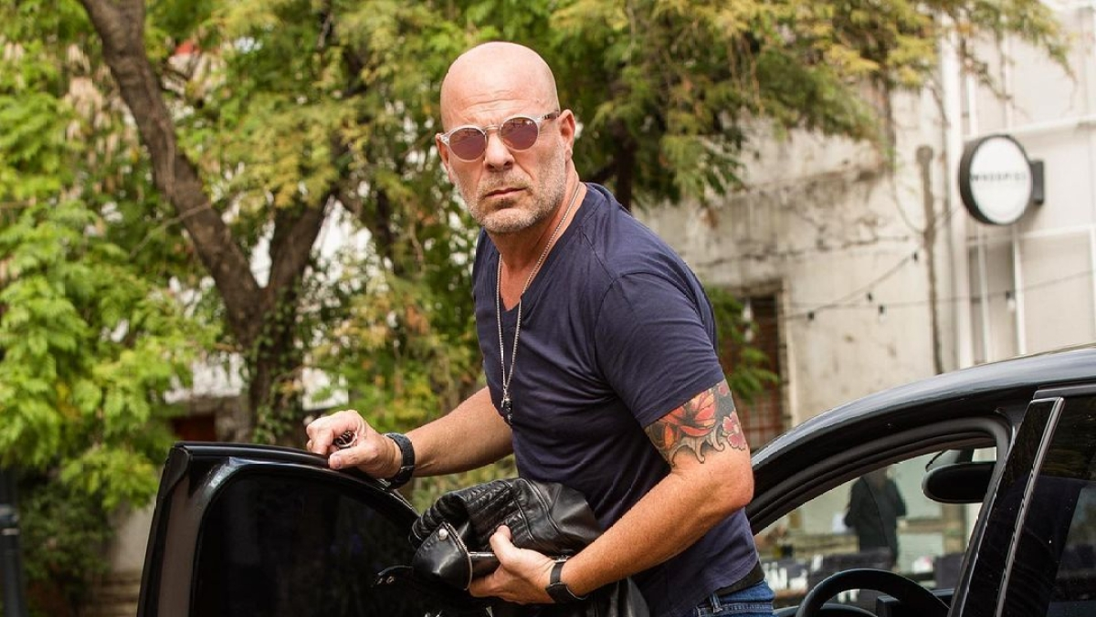Veteran actor Bruce Willis asked to leave a Los Angeles store for refusing to wear a mask