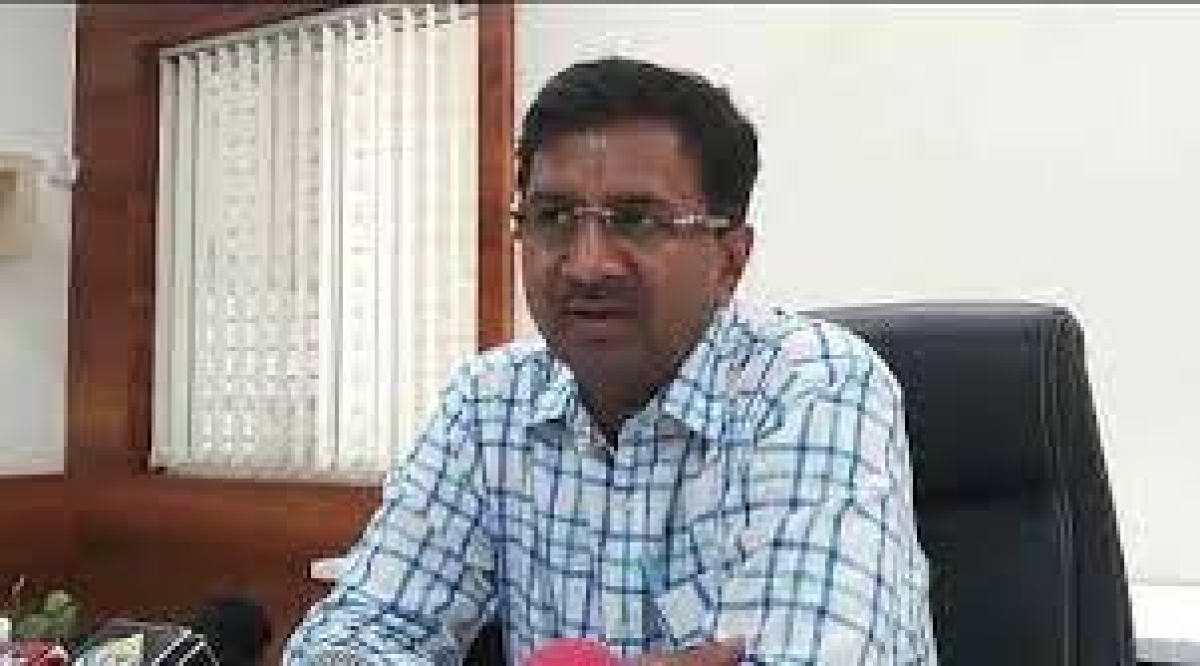 Indore: Collector signals at toughening restrictions to curb Covid-19