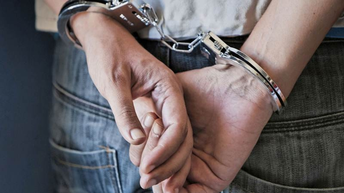 Thane: On advocate's complaint, woman held for extortion