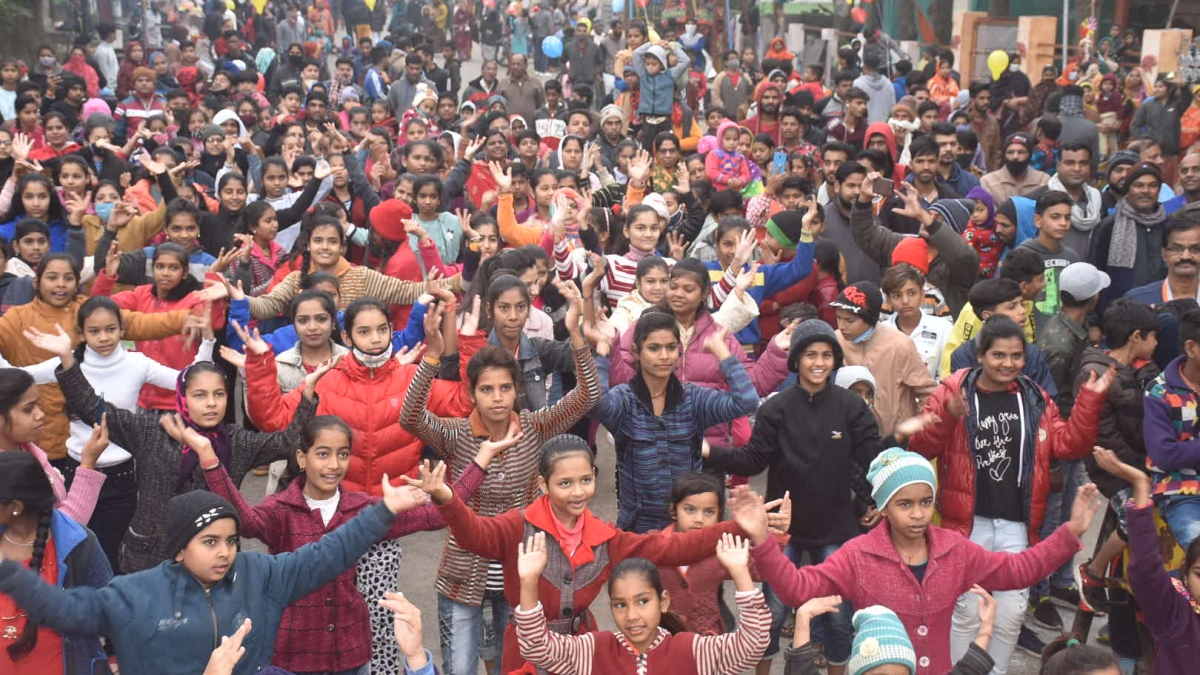 Children sans mask at the Sair-Sapata keeping distance as per the the Covid-19 protocol