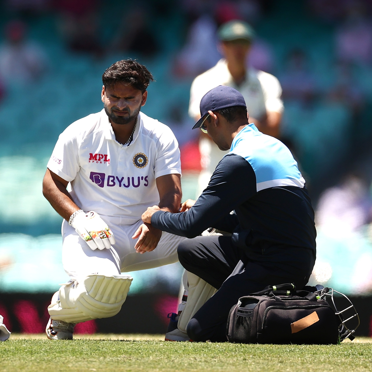 Ind vs Aus, 3rd Test: Wriddhiman Saha to keep wickets as Rishabh Pant goes for scan after blow on elbow