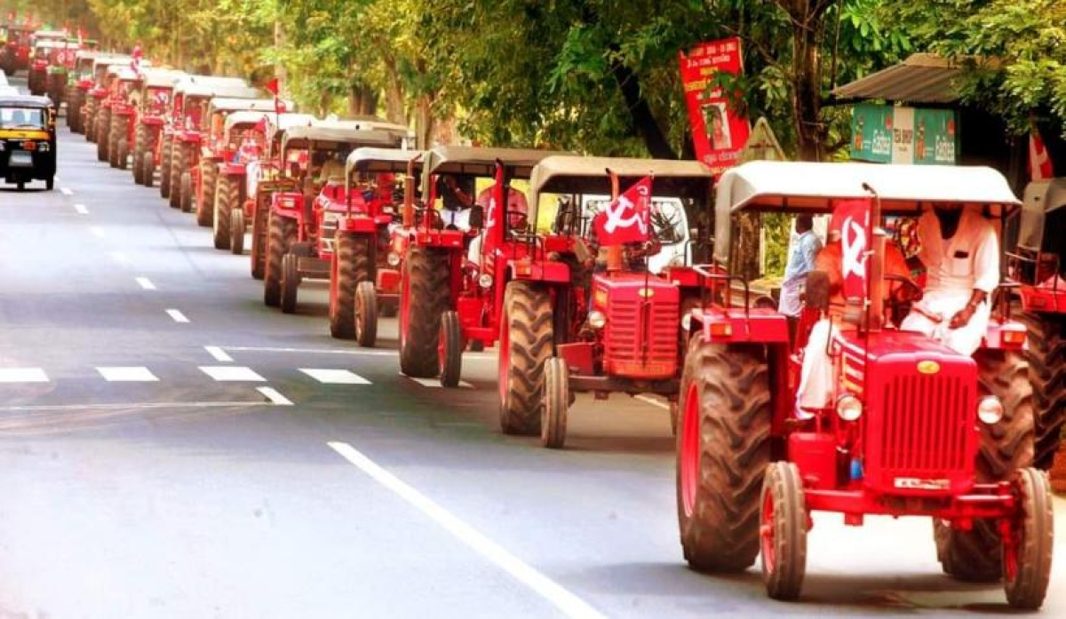 400 farmers from Kerala join protest against farm laws