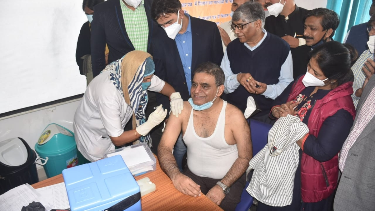 File Photo/ Corona vaccine being administered to Ujjain CMHO Dr Mahaveer Khandelwal