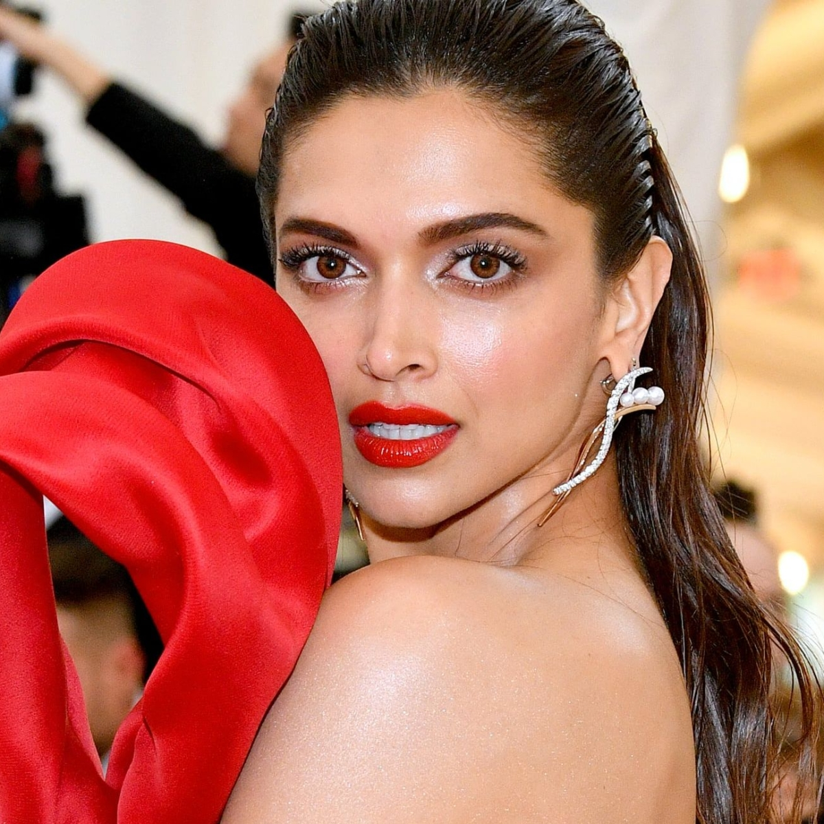 After deleting all her posts on social media, Deepika Padukone shares an audio diary to mark New Year