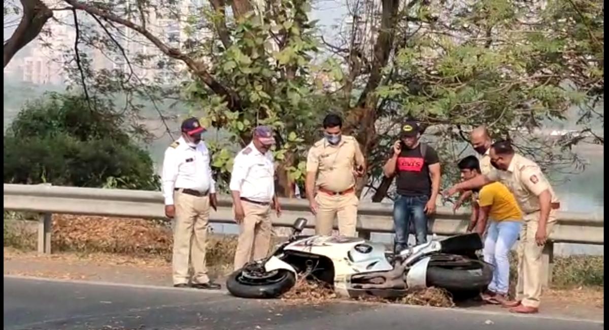 Navi Mumbai: 26-year-old biker dies in road accident on Palm Beach road