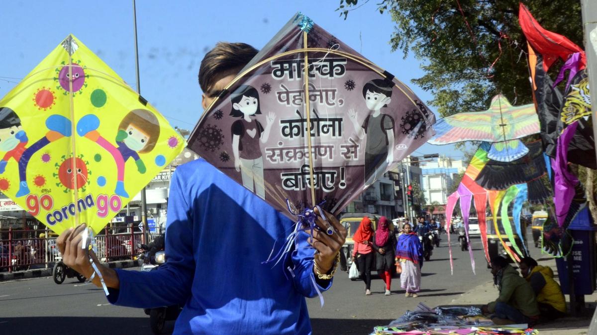 Kites with messages on corona  flood market