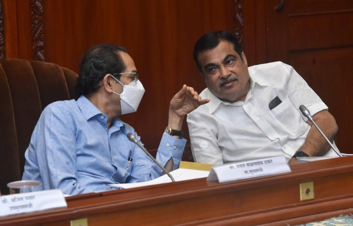 Uddhav, Union Highway Minister build bridges: Gadkari hikes annual plan, announces new road projects while CM assures GST and royalty waiver