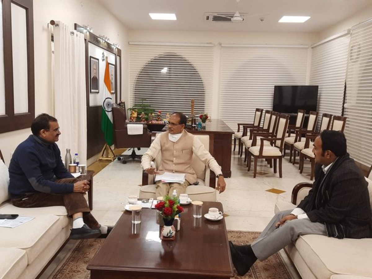 Chief minister Shivraj Singh Chouhan with Khajuraho MP VD Sharma, Panna MLA Brajendra Pratap Singh at a meeting at CM's residence  in Bhopal on Sunday
