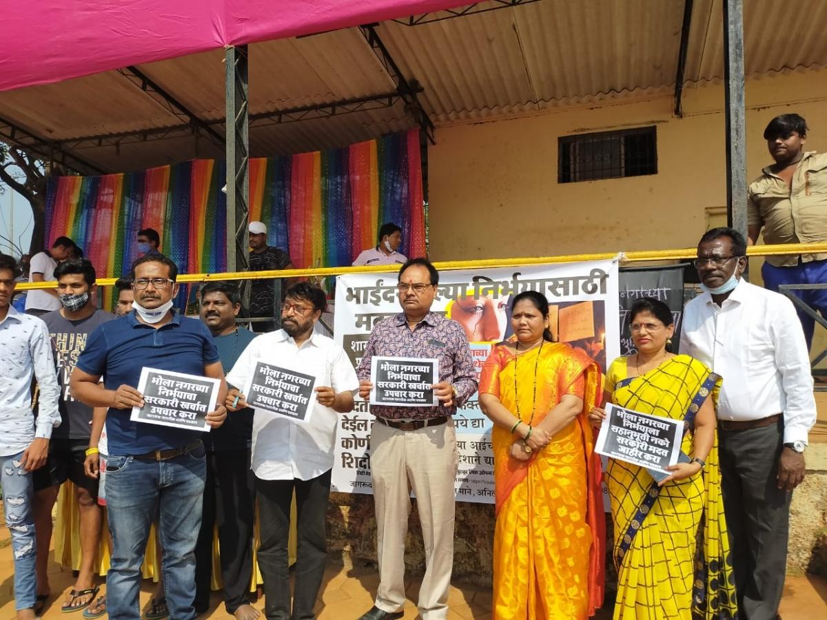 Mira Bhayandar Municipal Corporation (MBMC) mayor Jyotsna Hasnale along with the agitators demanding justice for the four-year-old victim