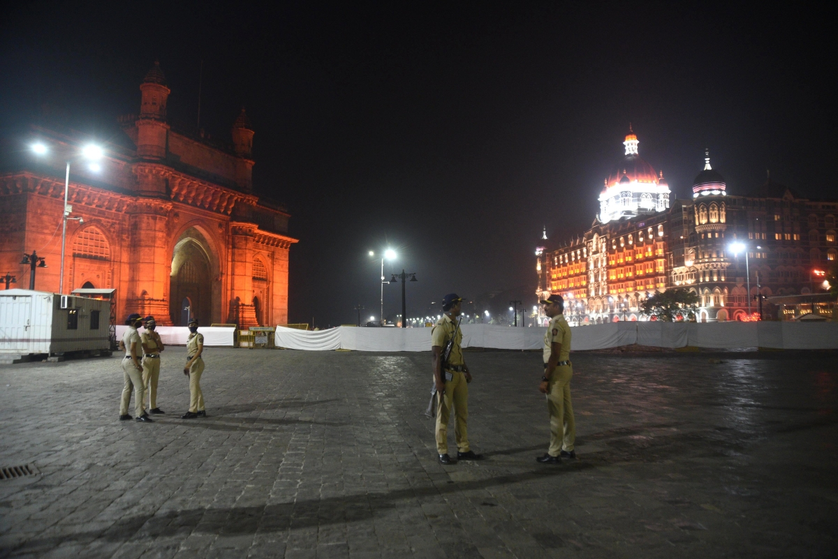 New Year Eve: BMC marshals collect Rs 26.35 lakh from 13,000 unmasked men