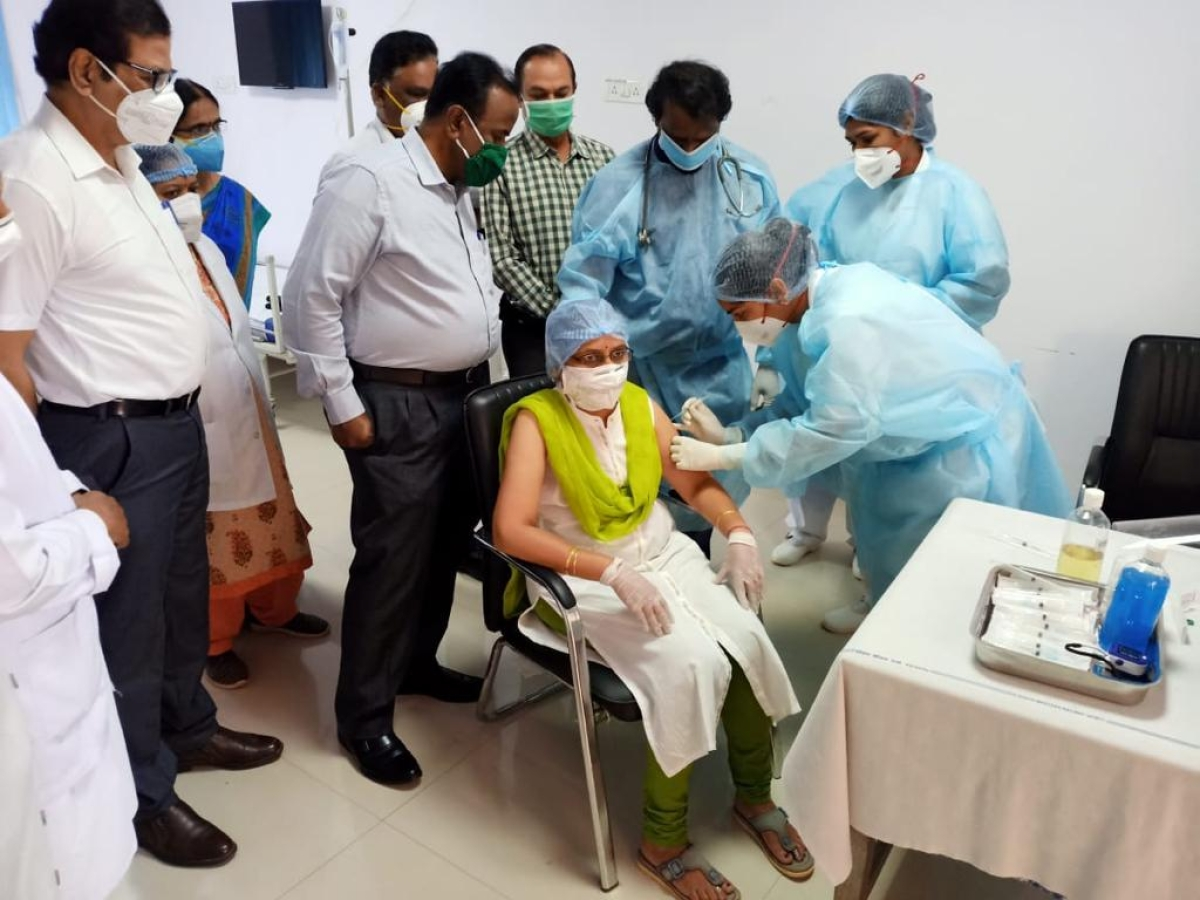 Health care workers on South Western Railway vaccinated against Covid-19 in the first phase