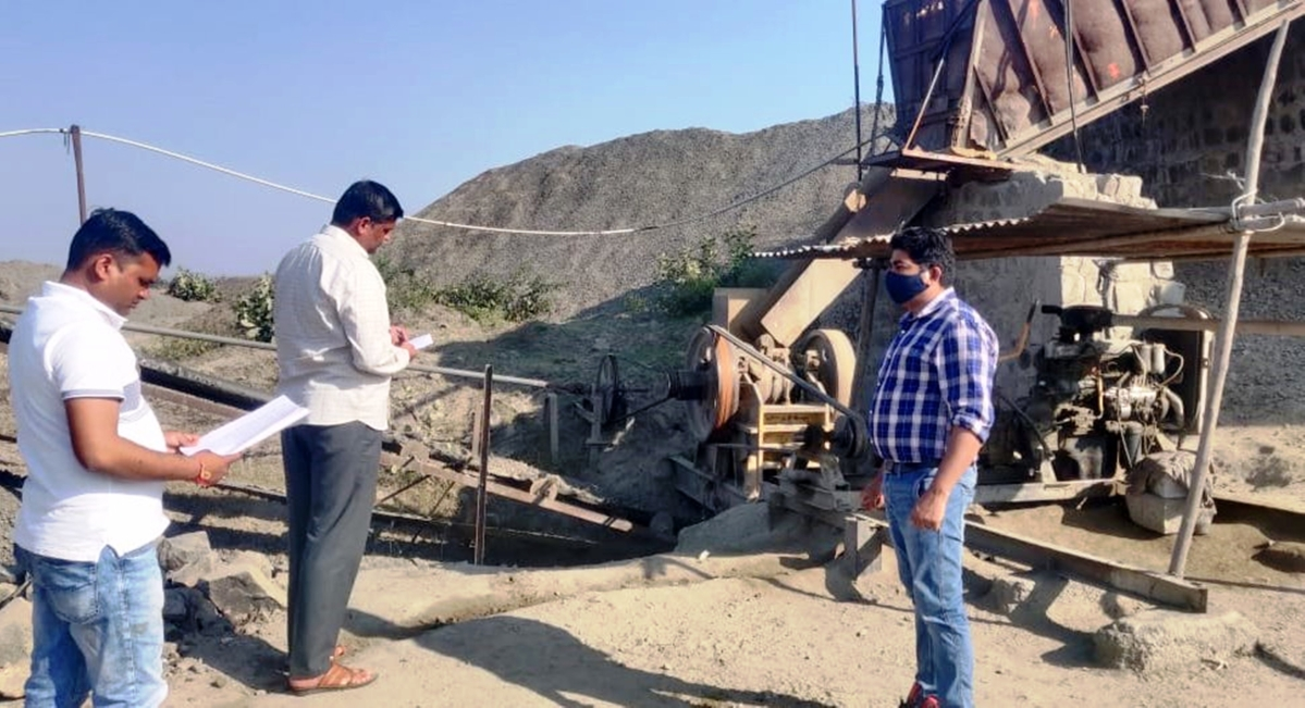 Madhya Pradesh: Khargone administration registered first FIR against mining mafia