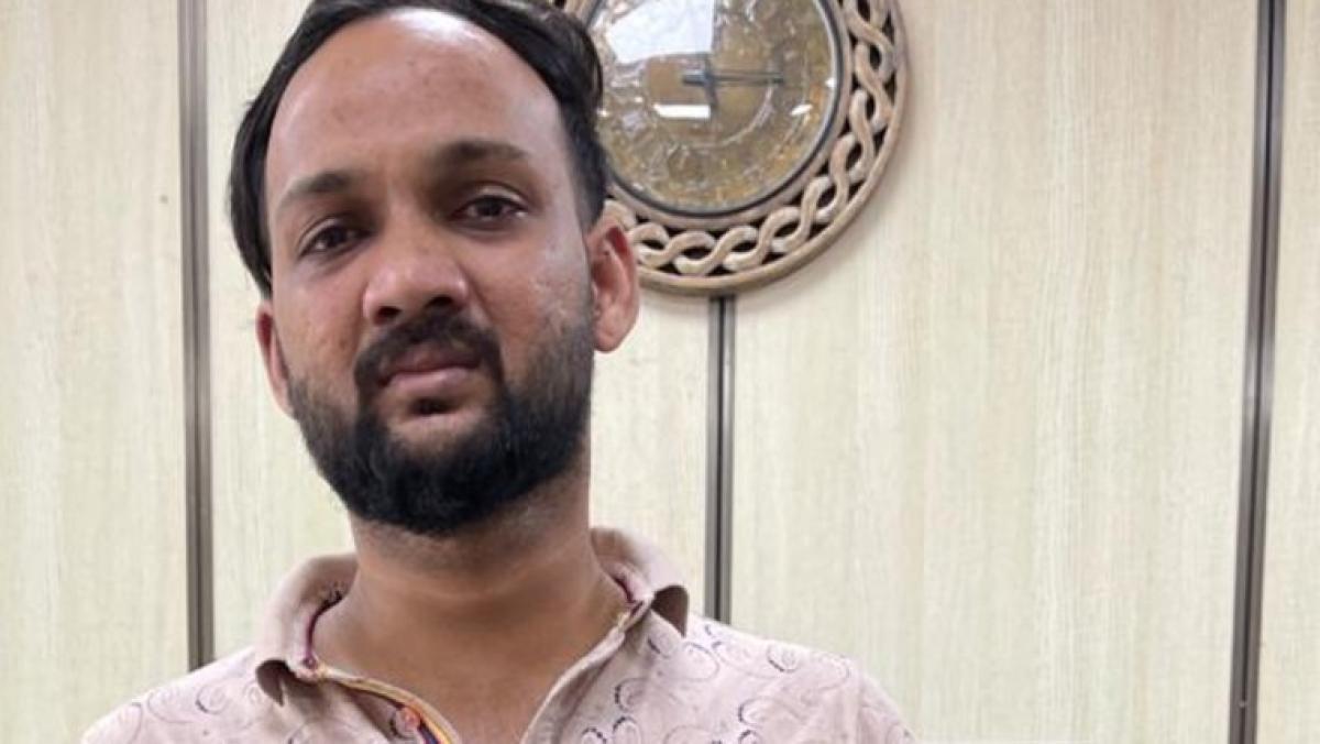 Mumbai: Drug peddler flees hotel room in NCB raid; Tollywood actress questioned