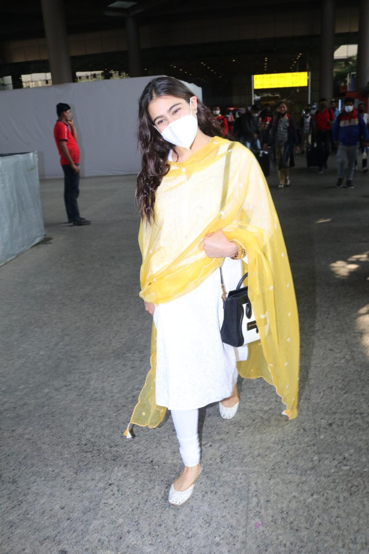 Sara Ali Khan at the airport