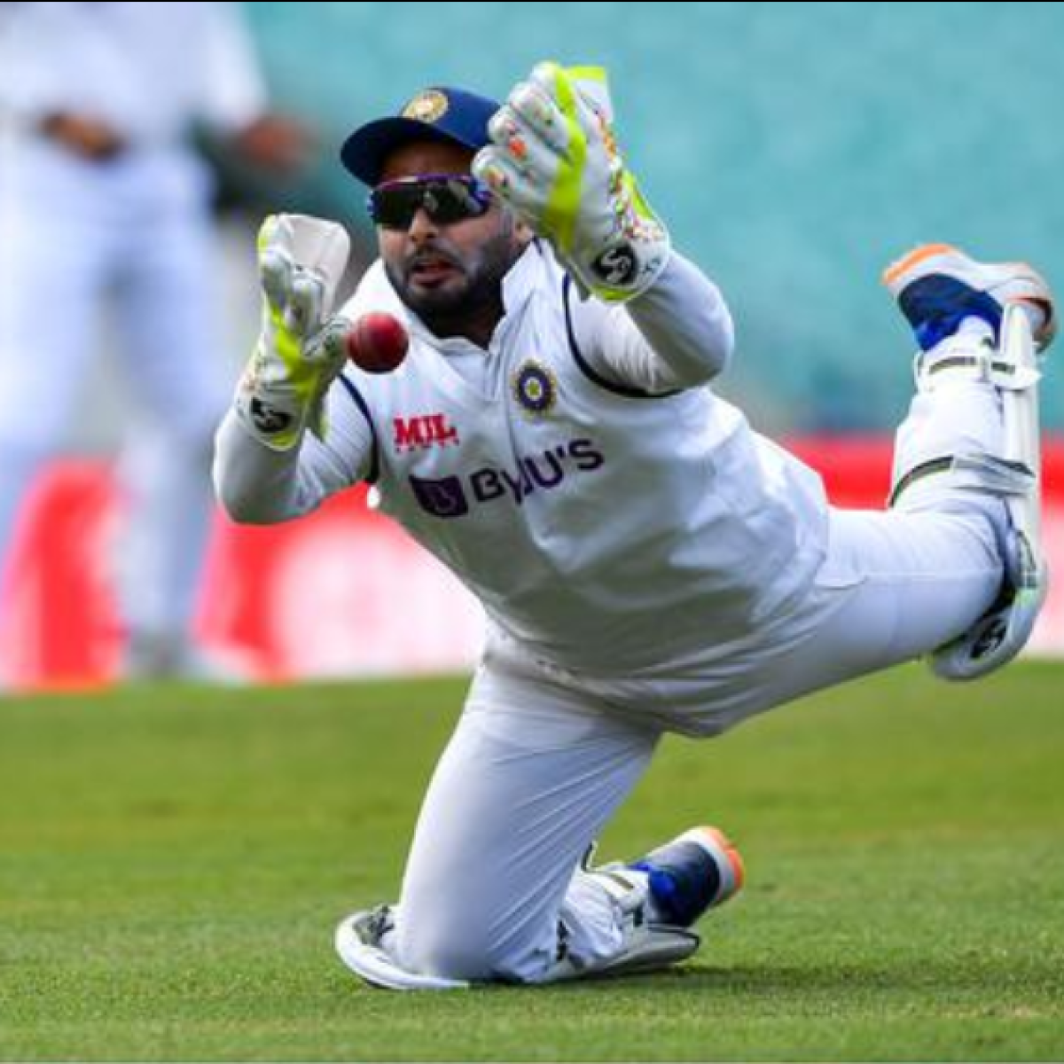'More errors than Kamran Akmal': Rishabh Pant trolled for dropping two catches of debutant Will Pucovski in 3rd Test