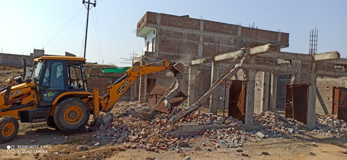 Government land freed of encroachment in Barwani on Saturday