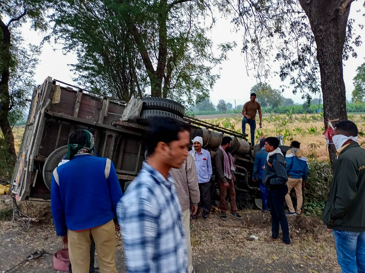 Jalgaon accident: Truck violated rules, agri-transport vehicles allowed to ferry only 3 persons