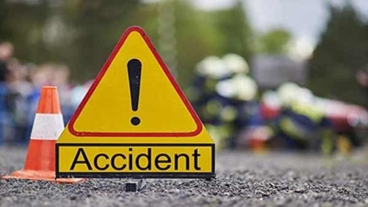 Mumbai: 1 killed, 1 injured as motorcycle hits truck on Western Express Highway