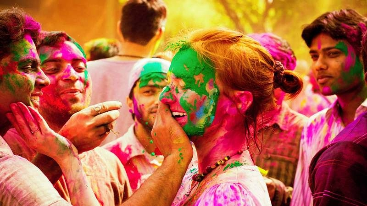 Mumbai: BMC issues guidelines for Holi 2021, restricts celebrations in public