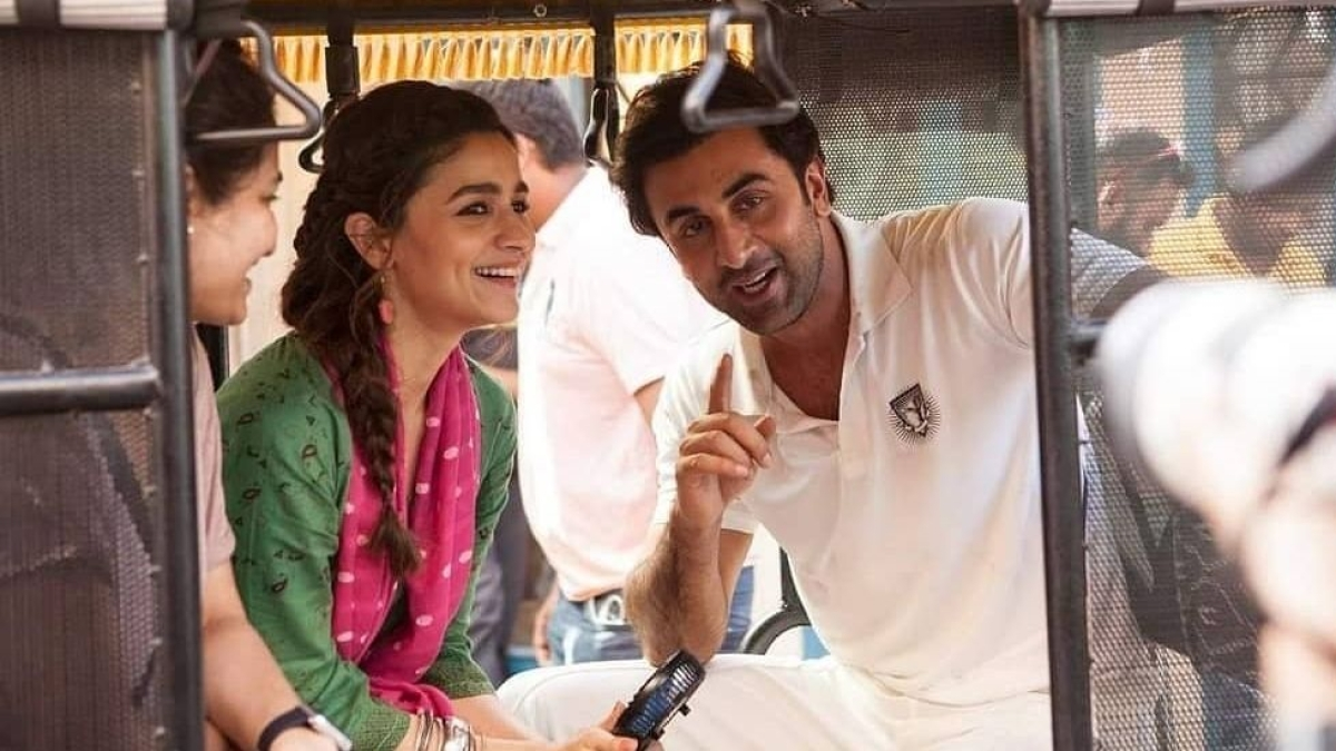 Unseen pics of lovebirds Alia Bhatt and Ranbir Kapoor from ad shoot go viral