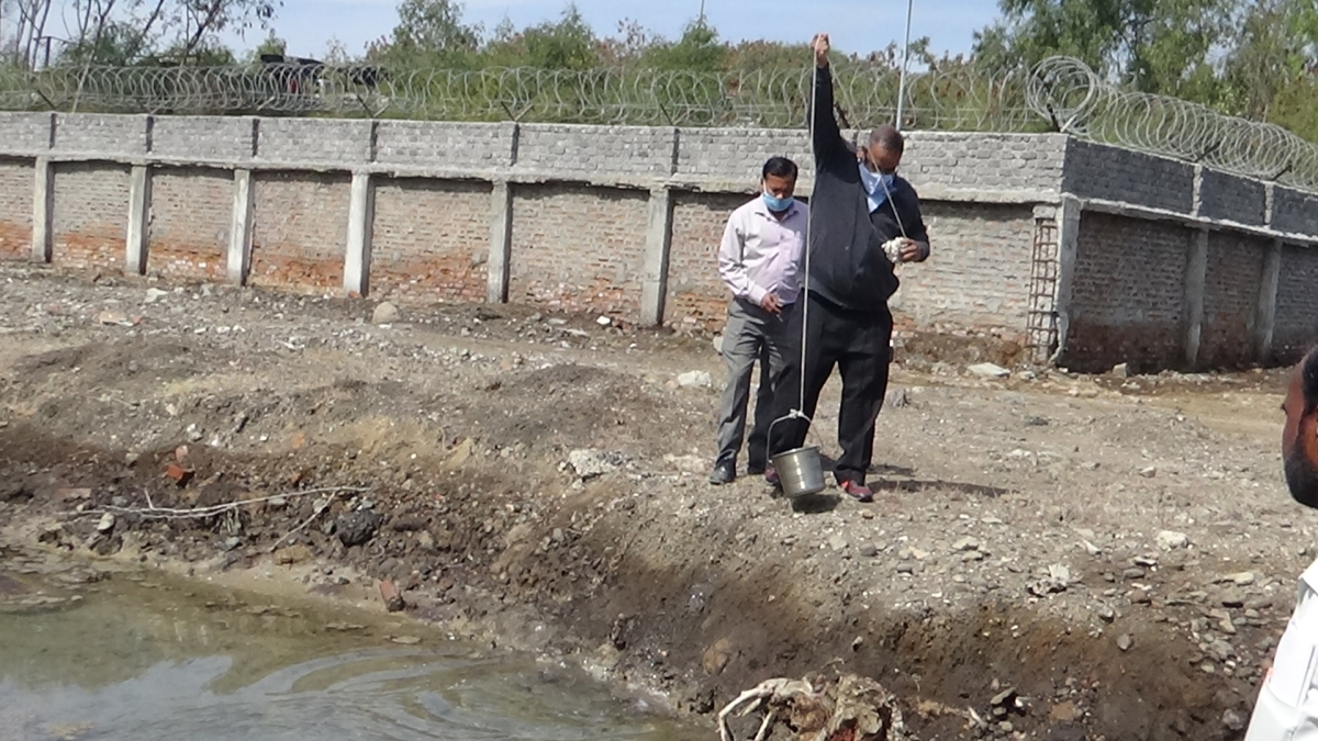 Madhya Pradesh: Team of MP Pollution Control Board collects water samples post locals' complaints of effluent discharge from the industrial units