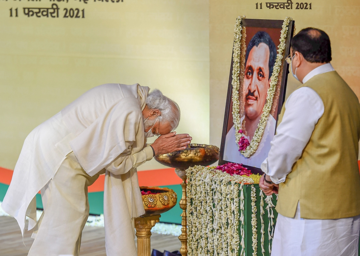 We value consensus, don't believe in political untouchability: PM Modi
