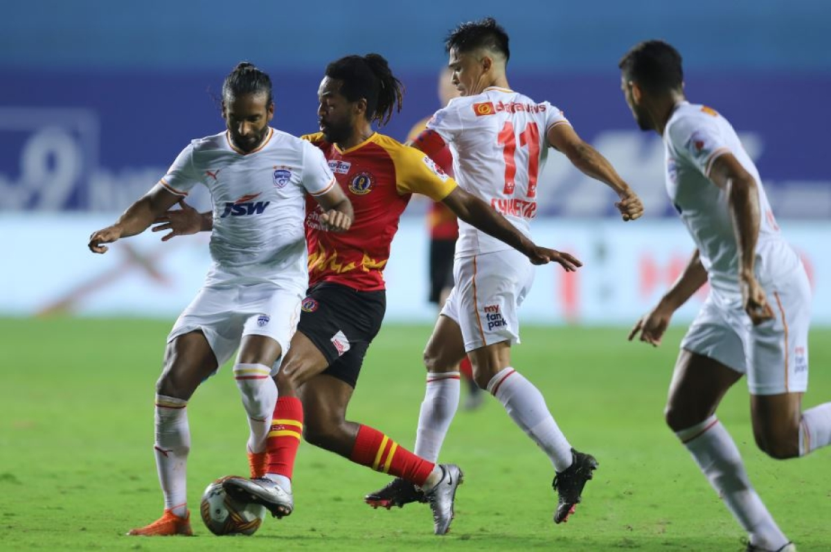 Mid field action during the Bengaluru FC and East Bengal match on Tuesday