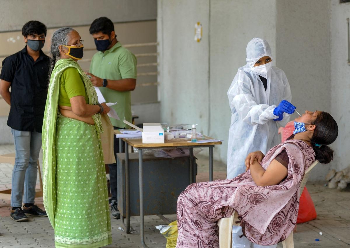 Coronavirus in Mumbai: COVID-19 cases climb, sealed buildings dip!